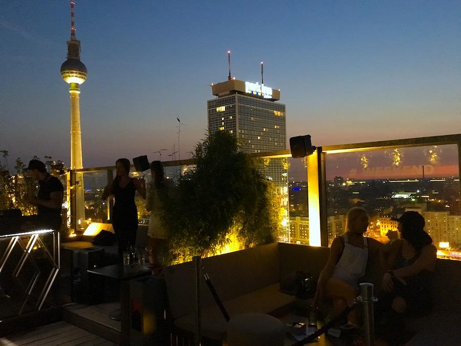 Berlin Blick Raucher Bereich Raum Wo kann man rauchen Location Bar Restaurant Raucherraum
