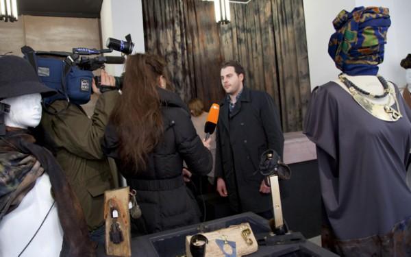 ZDF DREH Hallo Deutschland 2012 Berlin Concierge Interview JuliaandBen Mode Julia Bauer
