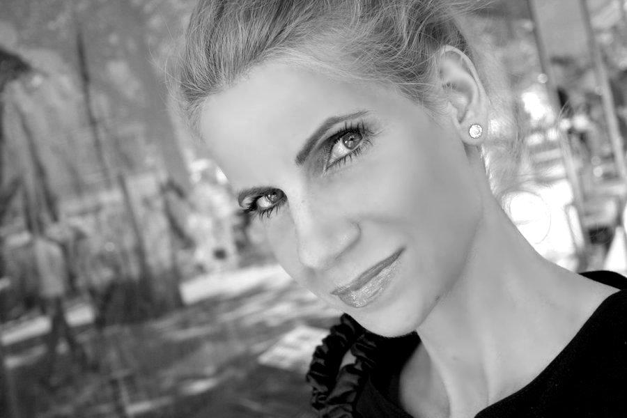 Lifestyle Concierge Tina Ellen Ciftci Berlin econcierge Team