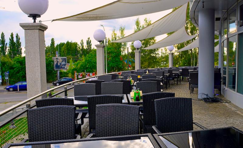 2017 2205 Sommer Terrasse Karte Gemüse Leichtigkeit Kueche Asia Buffet Opening