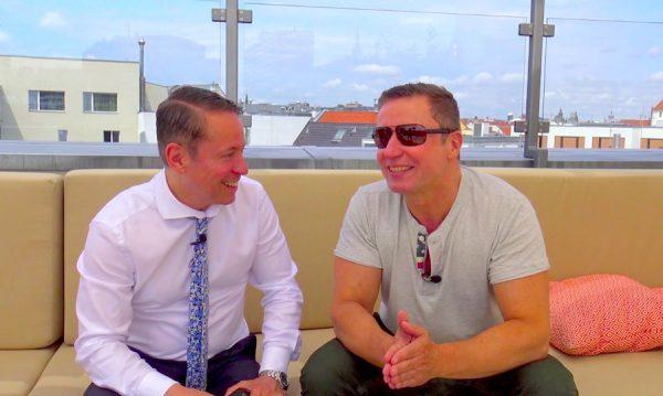 Dennis Machts PERSÖNLICH Interview Video monbijou Hotel topfive top 5 blog vlog