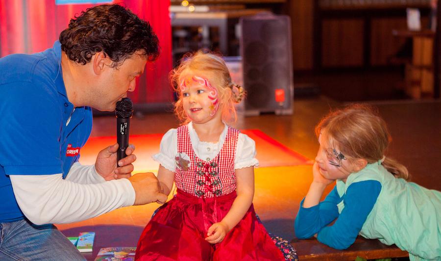 Kind Maedchen Bühne Interview Kinderbrunch Christian KiKANiNCHEN Legoland Discovery Hofbräu Berlin Photoconcierge Joerg Unkel