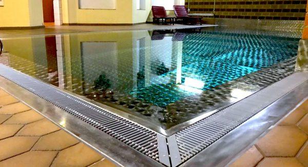 Schwimmbad Swimmingpool AKZENT Hotel Brueggen er Klimp Burgwall Concierge Gerry Kritik