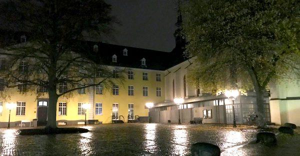 Kloster Platz Sightseeing AKZENT Hotel Brueggen er Klimp Burgwall Concierge Gerry Kritik