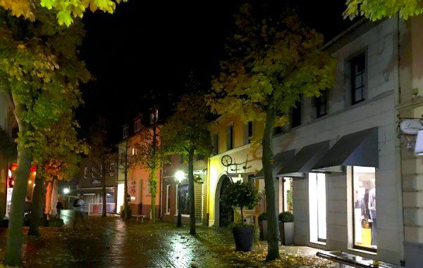 Strasse Altstadt Gasse Sightseeing AKZENT Hotel Brueggen er Klimp Burgwall Concierge Gerry Kritik