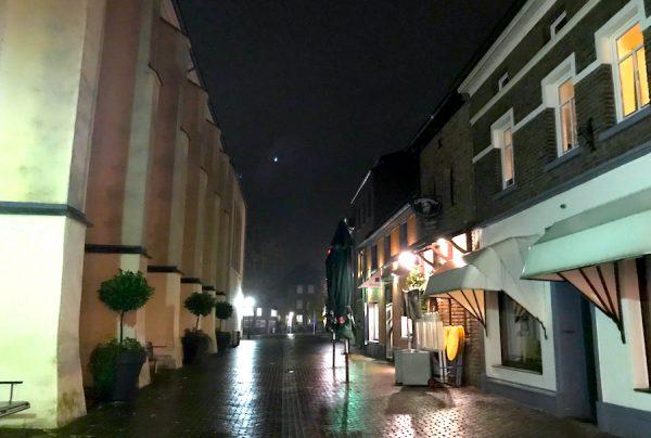 Kloster Gasse Sightseeing AKZENT Hotel Brueggen er Klimp Burgwall Concierge Gerry Kritik