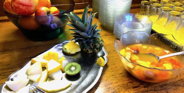 Erlebnisbericht Brüggen Obst Frühstück Breakfast AKZENT Hotel Brueggener Klimp Burgwall Concierge Gerry Kritik