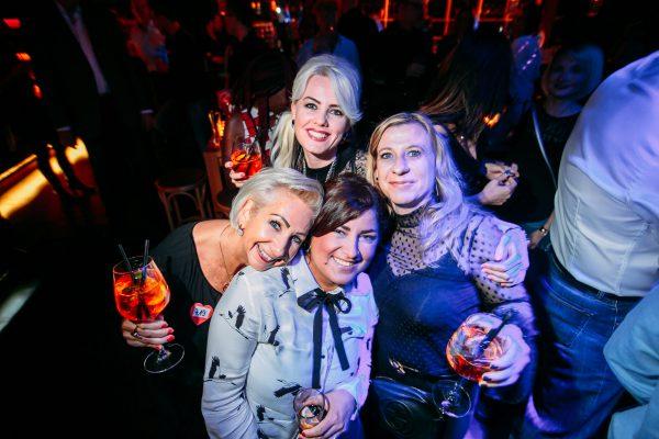 2017 Hauptstadt Herzen Amber Suite Club Berlin Gerry Concierge Blog Bild Johannes Fraebel LAdies