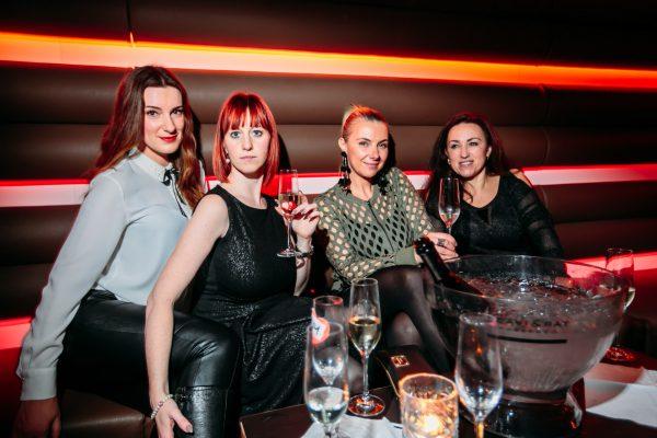2017 Hauptstadt Herzen Amber Suite Club Berlin Gerry Concierge Blog Bild Johannes Fraebel VIP Ladies Table