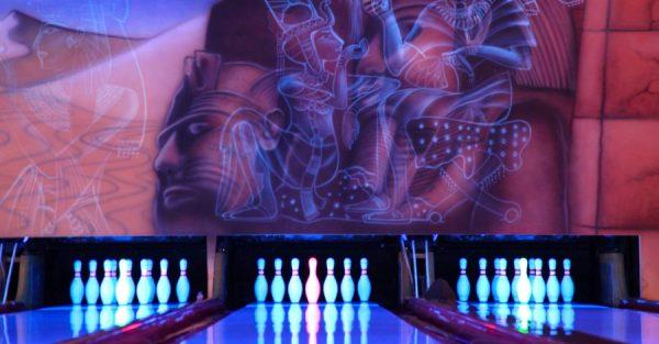 schwarzlicht bowling FR SA Bowling Center Schillerpark Bild genehmigt Event Concierge Jannine Krueger