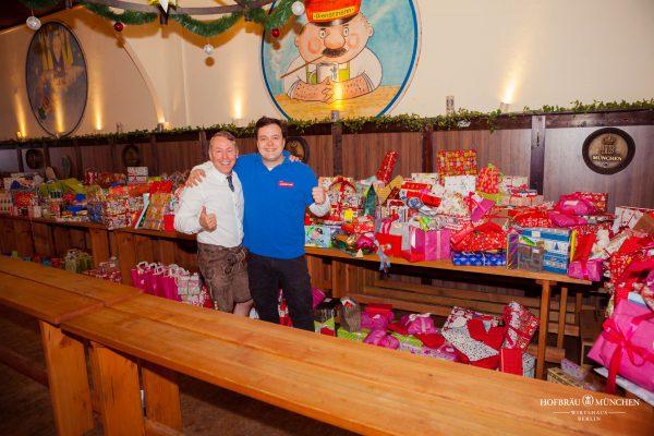 Hofbraeu Berlin Arche Weihnachten Christian Kika nnichen Photoconcierge Joerg Unkel Gerry Concierge Geschenke