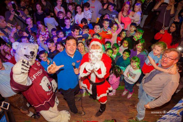 Hofbraeu Berlin Arche Weihnachten Christian Tim Wilde Eisbaer Weihnachtsmann Bernd Siggelkow Photoconcierge Joerg Unkel Gerry Concierge Kinder Buehne