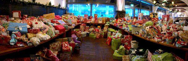 Weihnacht Arche Kinder Hofbraeu Charity Berlin Geschenke Panorama