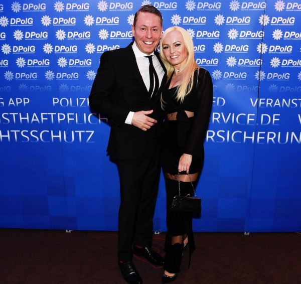 Hauptstadtball 5 Jahre Jubilaeum DPolG Mercure MOA Berlin Pic Friedhelm Windmueller Gerry Concierge Jeannette Feuerboeter 2