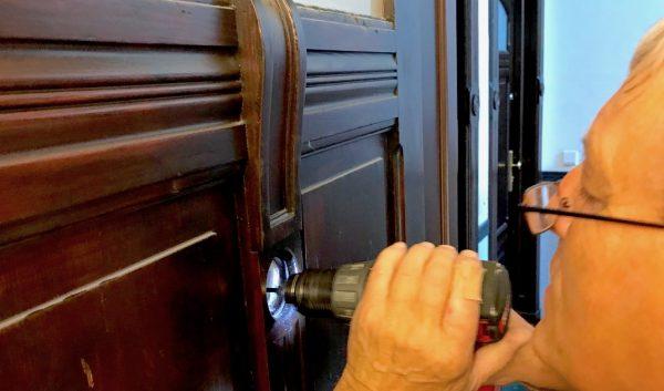 CityKey Stellenanzeige Ausschreibung Berlin Schluesseldienst Frank Haustuer Wohnungstuer Notdienst Sicherheit Schloss Stangenschloss Spion Digital Kamera Montage