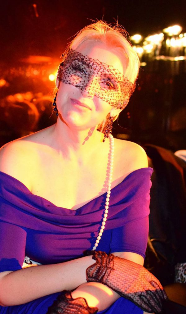 Angela Kerber Maske AFTER WORK DANCE Europa Center Berlin Puro Gerry Concierge pic Julia Waulin