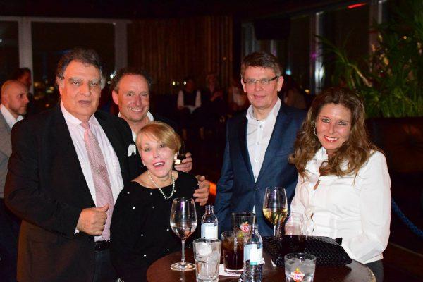 Gruppe Gaeste 2 AFTER WORK DANCE Europa Center Berlin Puro Gerry Concierge pic Julia Waulin