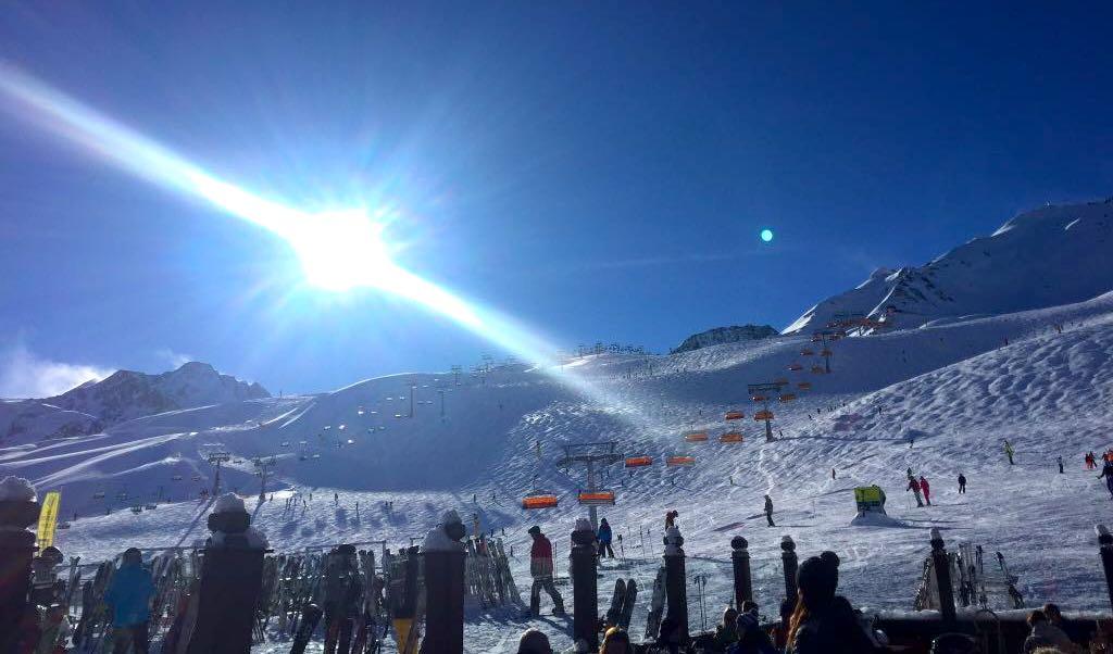 Sonne Piste Skifahren Ski Urlaub OVB Butschkat Schulter Bruch PKV Prvate Krankenversicherung