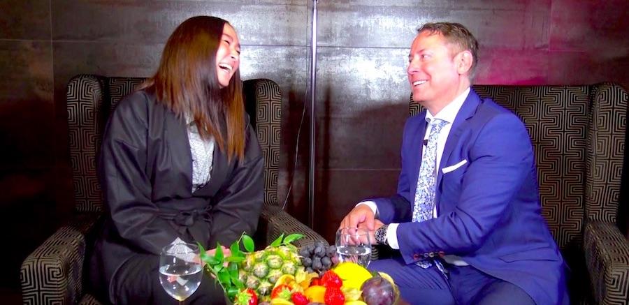 Alisa Menkhaus SUSUMU AI PERSOENLICH Interview Mercure Hotel MOA Berlin topfive top 5 Blog Vlog