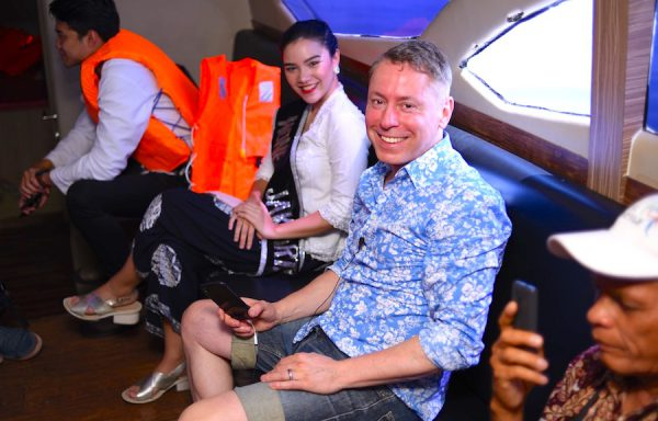 Jakarta Tourism Gouvernment Concierge Gerry Ausblick IKI_8160 Gerry Concierge Restaurant Speed Boat
