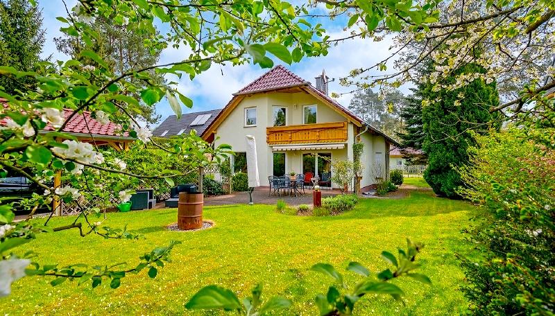 Einfamilienhaus Haus 16547 Birkenwerder Berlin Kauf Objekt ID 104604 O 56636 Terrasse Garten Rohrer Immobilien