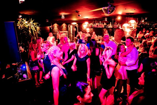 AFTER WORK DANCE 20th Europa Center Berlin Concierge Gerry Dance Ladies IMG_0089