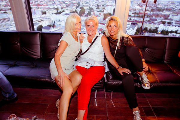 AFTER WORK DANCE 20th Europa Center Berlin Concierge Gerry Fotograf Adrian Real Estate Lounge Liane Kirchenstein Nicole Knappe Sabine Reissner 96372933