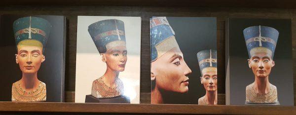 2018 Julia Waulin Musuem Berlin Aegypten Sightseeing Nofretete Stuck Gips 11