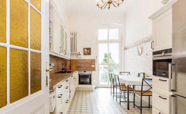Küche Wohnung 10717 Berlin Kauf Objekt 105014 O56673 Altbau Charme Bayerischen Viertel Rohrer Immobilien IMG_0097