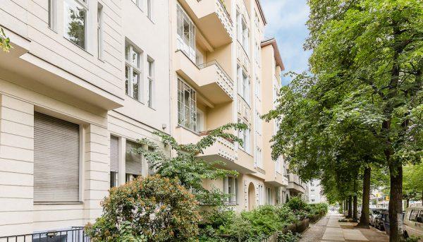 Fassade Front Wohnung 10717 Berlin Kauf Objekt 105014 O56673 Altbau Charme Bayerischen Viertel Rohrer Immobilien IMG_0104