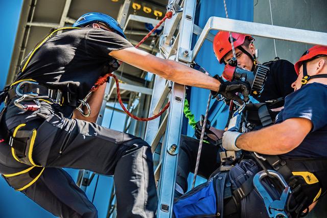 Windhunter Academy Berlin Fortbildungszentrum Windindustrie GWO zertifiziert Trainingspartner Bernau DSC_1029