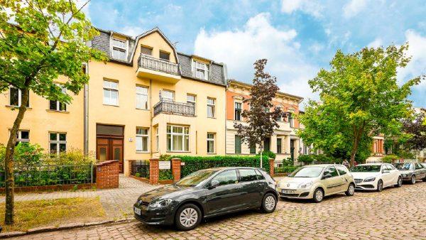 Wohnung Berlin Kauf Objekt 105726 O 56713 Bezugsfrei Wunderschoene Altbauwohnung nahe Mueggelsee o56713_kurz_hausansicht_vorne