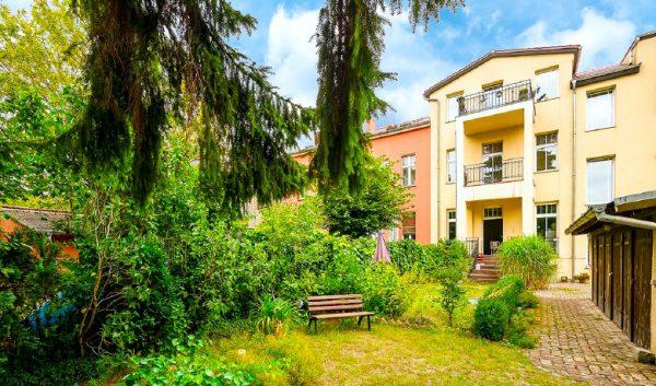 Wohnung Berlin Kauf Objekt 105726 O 56713 Bezugsfrei Wunderschoene Altbauwohnung nahe Mueggelsee o56713_lang9_hausansicht_hinten