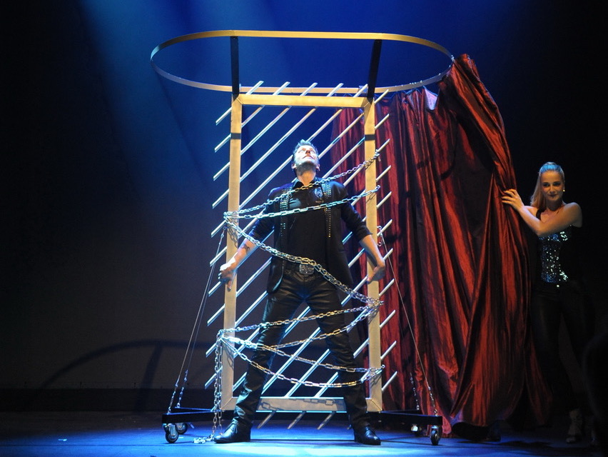 ShowConcierge-Frank-Berkholz-Peter-Valance-Show-1698-OVB-massmedia-illusionsshow-illusionist