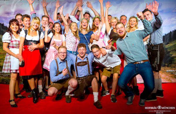 Damen Herren Gaeste Redcarpet Gerry Concierge VIP Service Hofbraeu Berlin Oktoberfest 2018 Joerg Unkel Hauptstadtfotografen 180922_Ho_2934