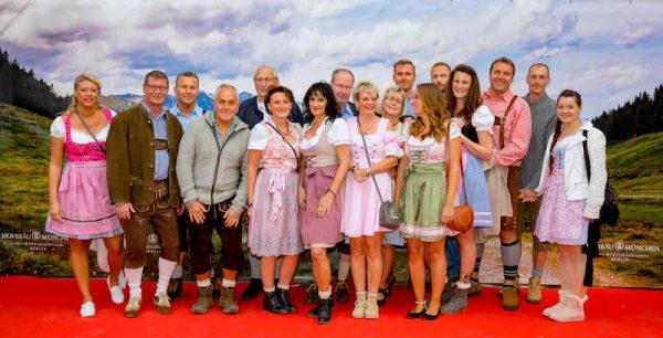 Gäste Trachten Hofbraeu Berlin Oktoberfest 2018 Joerg Unkel Hauptstadtfotografen Concierge Gerry VIP 180922_Ho_2259