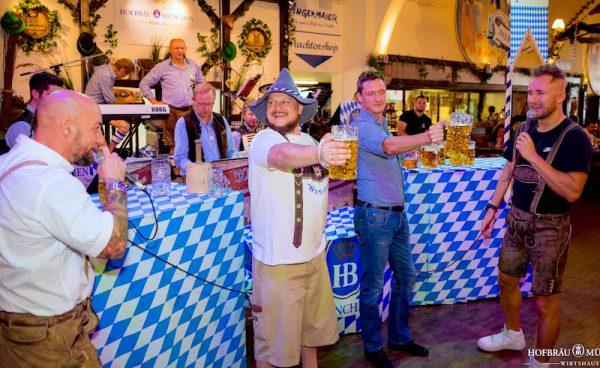 Mass Stemmen Hofbraeu Berlin Oktoberfest 2018 Joerg Unkel Hauptstadtfotografen Concierge Gerry 180922_Ho_2140