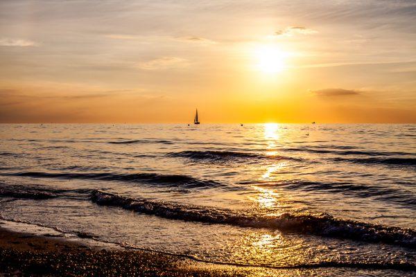 Bilder Ostsee Warnemuende Pic Fotograf Ronny Wunderlich Strand Sonnenuntergang Rolf Butschkat OVB Denkmal Gebäude Investition Eigentumswohnung