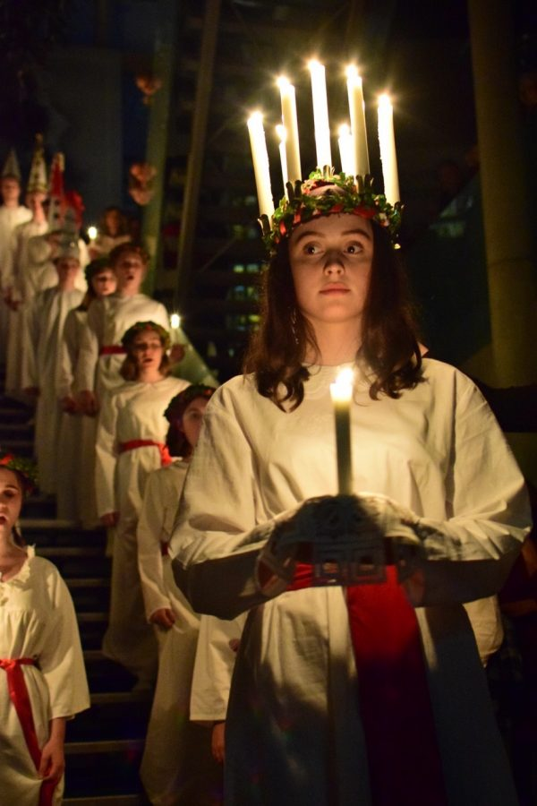 Schwedische Botschaft Lichterkoenigin Lucia Exzellenz Botschafter Per Thoeresson Fotograf Julia Waulin Gerry Concierge