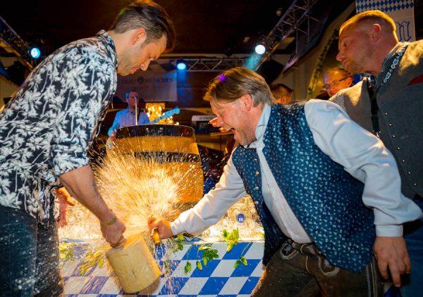 Sicherheit Security Michael Schellbach SDG Hofbraeu Berlin Oktoberfest Fotograf Joerg Unkel PhotoConcierge Concierge Gerry VIP Gaeste RedCarpet Jay Khan 180922_Ho_2532