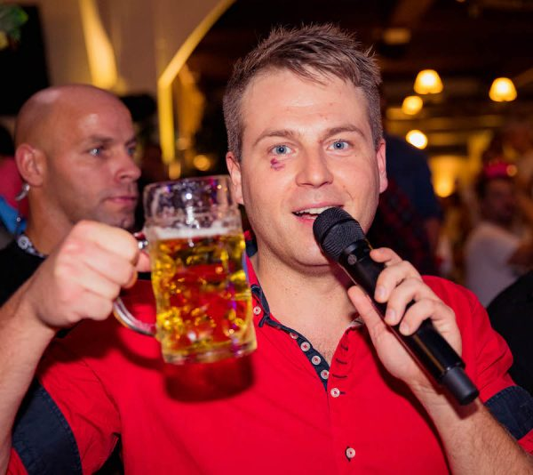 10 Jahre Flottn3er Party Tobee Mallorca Band Hofbraeu Berlin Event Etage Live Band Photoconcierge Joerg Unkel 180907_Ho_1029