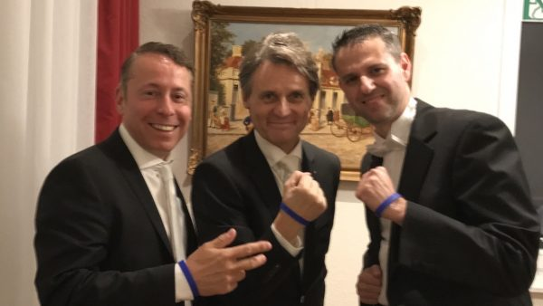Polizeifamilie Loge Armband Band Boris Novak Wolfgang Bahro Gerry Concierge