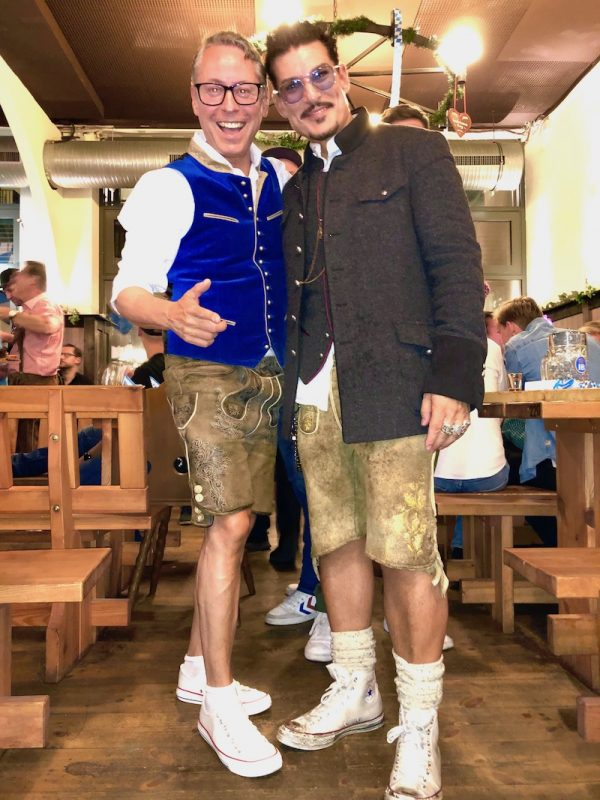 Chris Töpperwien Currswurstmann 2019 Anstich Axel Schulz Berlin Ozapft is Hofbraeu Alexanderplatz PhotoConcierge Joerg Unkel Concierge Gerry Blog