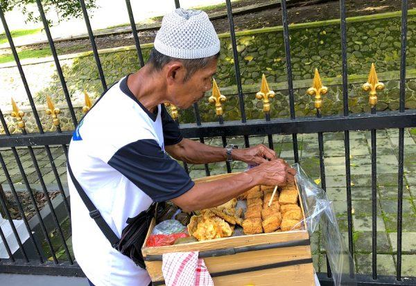 Jakarta-Tourism-Indonesien-Government-Indonesia-Concierge-Trip-recommendation-Empfehlung-Einladung-Gerry-Botschaft-President-Palast-Bogor-Street-Food