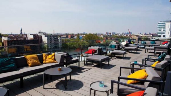Silvester-Berlin-Roof-Top-Bar-Panorama-View-East-Side-Gallery-Feuerwerk-Hotel-Indigo-g3