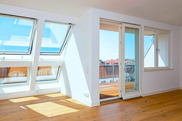 Wohnzimmer 2020 2301 Hochwertige 3-Zimmer-DG-Wohnung Erstbezug, Südterrasse mit Panoramablick, direkt am Prenzlauer Berg o-62925 Prenzlauer Berg wird erwachsen?