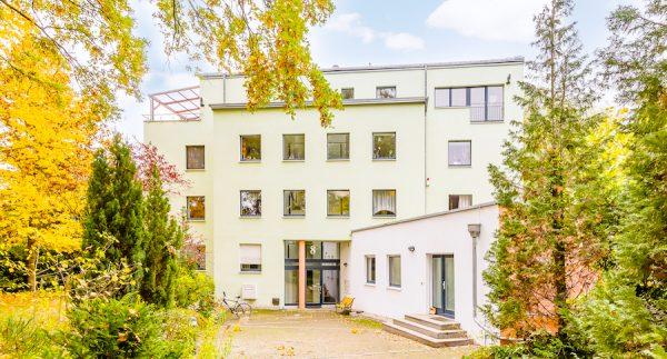 2020 1011 Gartenansicht Dachgeschosswohnung Berlin kaufen Niederschoenhausen O64255 Tolle Immobilien