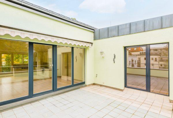 2020 1011 Terrasse Dachgeschosswohnung Berlin kaufen Niederschoenhausen O64255 Tolle Immobilien