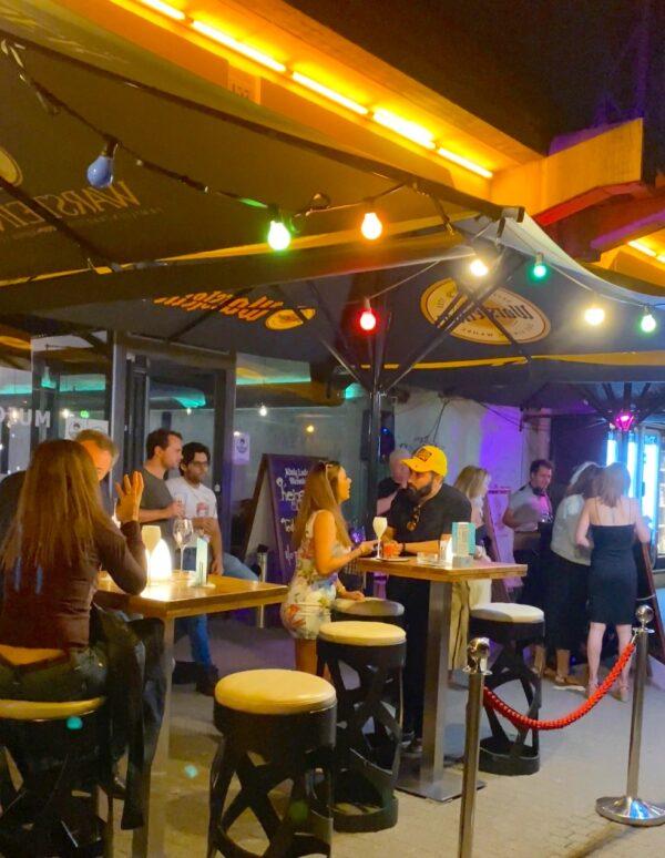 Palladium-Cocktails-an-der-Spree-Open-Air-Event-direkt-Blick-Wasser-Hackescher-Markt-DJ-Blog